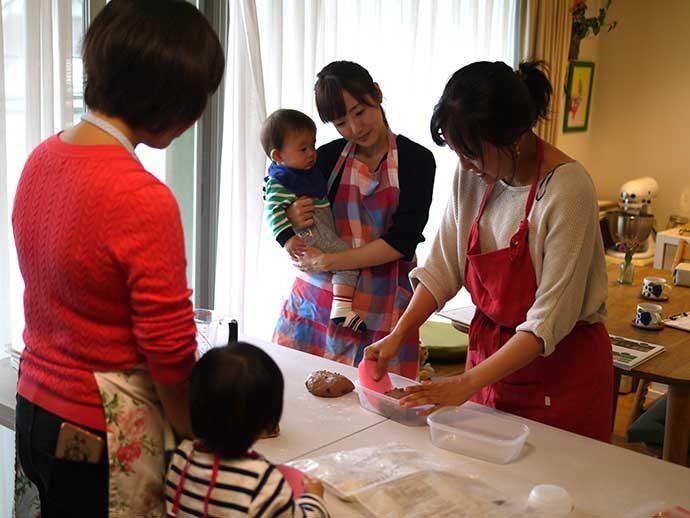 パン&米粉お菓子づくりの「おうちパン教室PakuPaku」