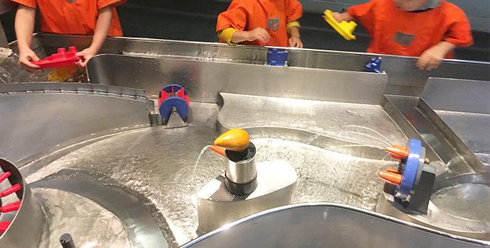 ロンドン子連れ観光スポット ロンドン科学博物館 水の流れ体感コーナー