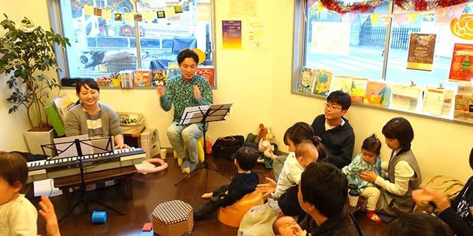 【駒込】カフェhahaco 「Xmasライブ2018」〜絵本読みきかせ&パパジャズシンガーと歌おう!