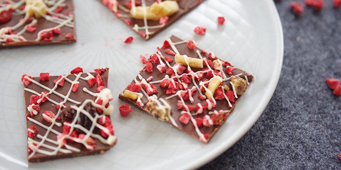 「チョコレートバーク」の簡単レシピ&ラッピング。子供と友チョコを手作り!