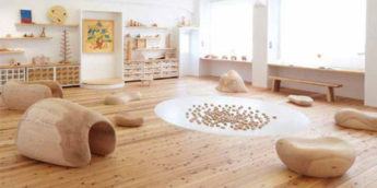 【遊び場・東京】たくさんのおもちゃと触れ合える「東京おもちゃ美術館」- 雨の日でも楽しい!