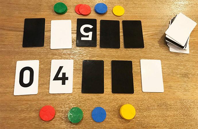 知育系ボードゲーム  Algo(アルゴ) プレイ図