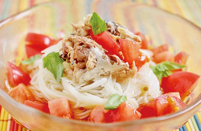 話題のサバ缶をイタリアン風に「サバ缶のトマトバジルそうめん」