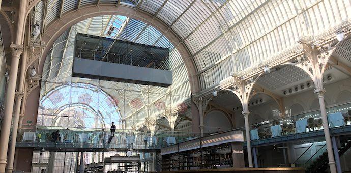 イギリスで子供と芸術鑑賞!ロイヤル・オペラハウスで、バレエとオペラの舞台裏見学ツアー【ロンドンの子育て】